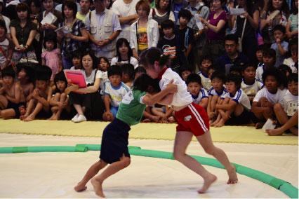 相撲大会の様子 市と教育委員会、青少年相撲振興会、草加青年会議所などの共催で行われる、... 草
