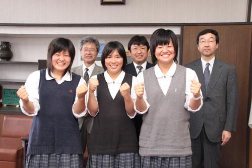 草加高等学校制服画像